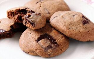 Tripple-Choc Cookies - Healthy Sweet Snacks