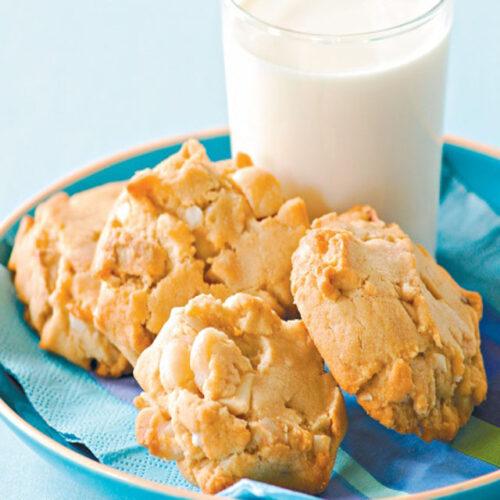 White Chocholate Macadamia Cookies - Sweet snacks