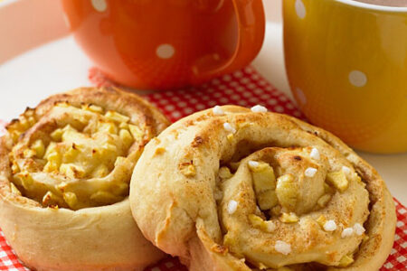 Apple Cinnamon Rolls - Healthy Breakfast for Kids